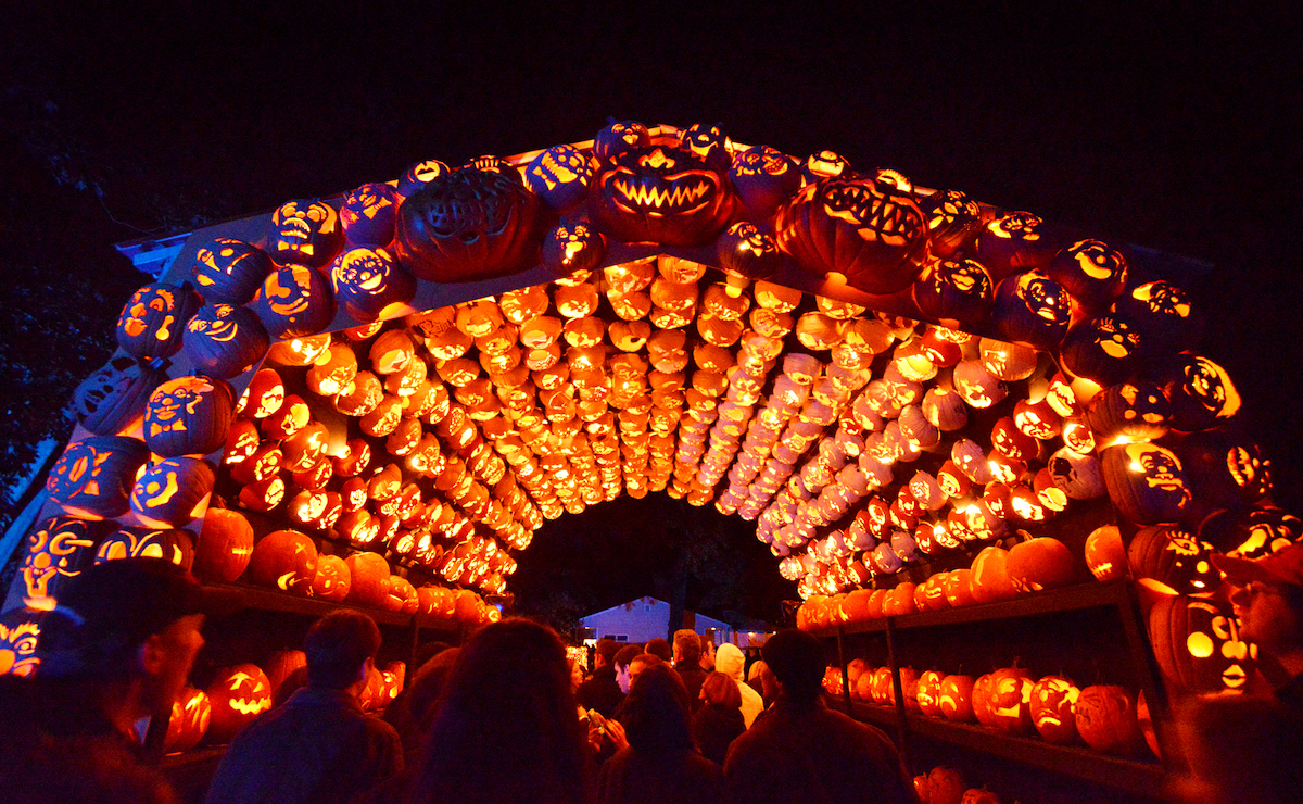 scariest halloween attractions nyc day trips new york haunted houses jack o lantern blaze