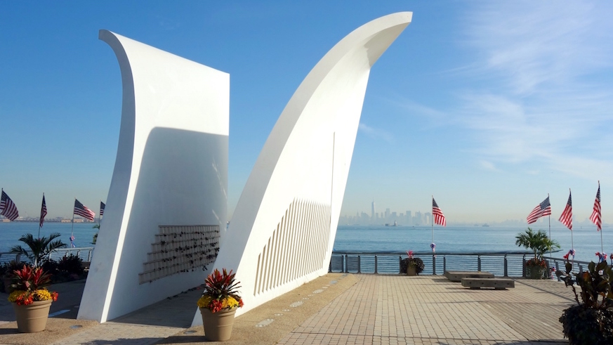 911 memorial nyc 9/11 memorials sept 11 terrorist attacks new york city monuments