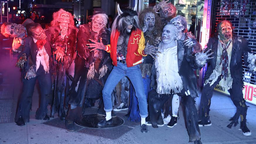 Heidi Klum wears Michael Jackson Thriller costume