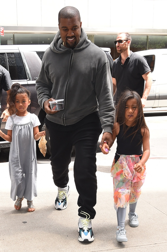 How many kids does kanye west have