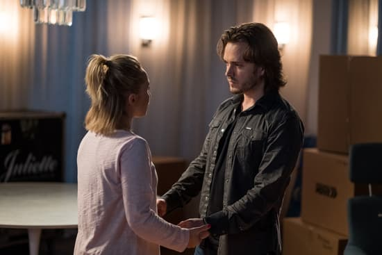 Juliette and Avery on the Nashville series finale