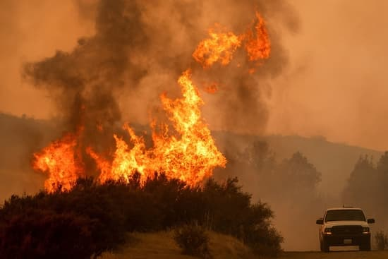 Firefighters battle the mendocino complex fire