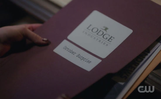 getting ready for Riverdale season 2 episode 22